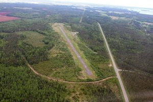RUNWAY 11 FROM SOUTH EAST FOTO: MIKA TAPIO, 01.06.2014