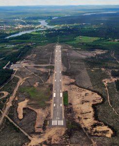 EFSO RWY 34 Sodankylä-municipal center in the upper left corner, 3 km away. This aerial picture shows the airports great location in relation to the municipal center. (Click to enlarge) <br /> Photo: Sauli Salmela