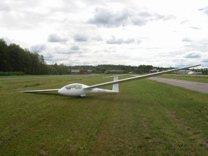 Forssa runway alongside the glider. Photo Timo Hyvönen