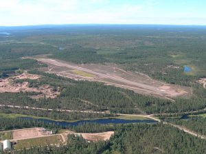 Kemijärvi airfield seen from the north side in 2.8.2005. Photo by Jukka Hämäläinen.