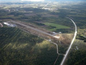 Pyhäsalmen airfield as seen from the from the air in the spring of 2004. Photo by Mikko Maliniemi.