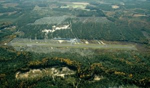 Raahe-pattijoki airfield from the air as seen in the autumn of 2005. Photo by Mikko Maliniemi.