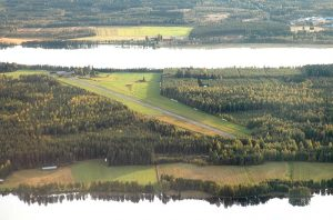 Rantasalmi airfield as seen from the air in the autumn of 2005. Photo by Mikko Maliniemi.