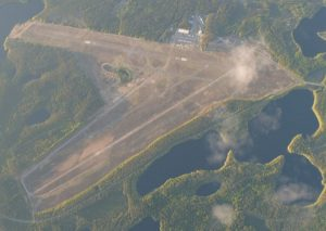 Räyskälä airport sen from the air 29.5.2004. Photo Jani Lyttinen. (Click to enlarge)