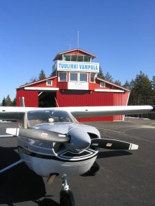 Vampula airport building behind the Cessna. Photo Antti Karttunen.